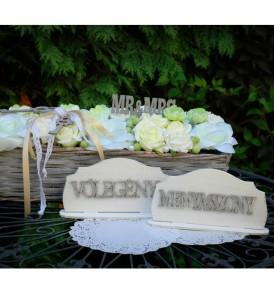 """Natúr fa """"Menyasszony+vőlegény"""" felirat szett 14×3 cm/db"""