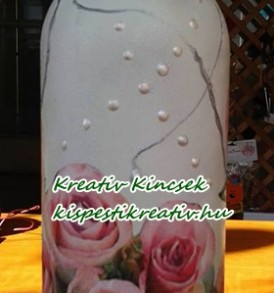 Szalvéta kék ládában rózsák 20 db/ csomag 3 rétegű